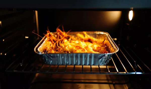 Use A Foil Baking Pan To Bake Cheese Prawns